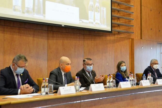 Evenimentul a venit în sprijinul antreprenorilor români cu o serie de răspunsuri privind instrumentele dezvoltate de Uniunea Europeană pentru stimularea și finanțarea tranziției verzi