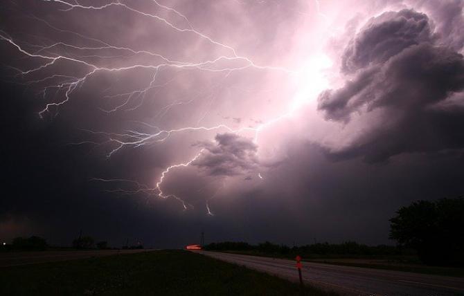 foto Pixabay/ ANM a emis Cod Galben și Cod Portocaliu de furtuni