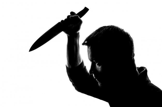 Tânăr de 20 ani din Bacău, înjunghiat în piept. Agresorul, suparat că acesta i-ar fi trimis SMS-uri iubitei sale / Foto: Pixabay