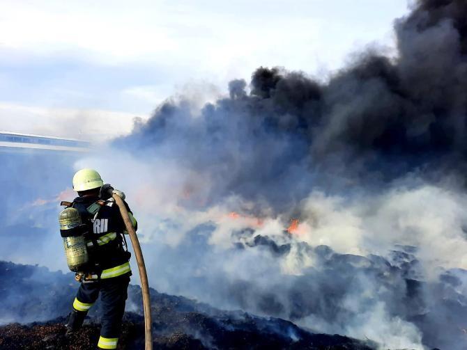 Incendiu lângă București, cu degajări mari de fum / Foto: ISU Giurgiu
