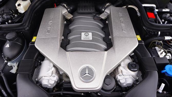 Mercedes cu suspensii de LEMN. RAR a publicat fotografiile / Foto: Pixabay
