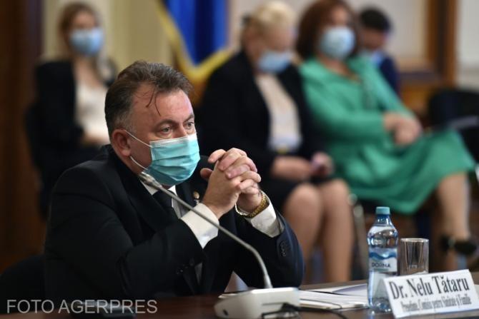 Vaccinare OBLIGATORIE în școli și spitale, cerută de Tătaru.  Alexandru Rafila: Propunerea are o fractură logică!