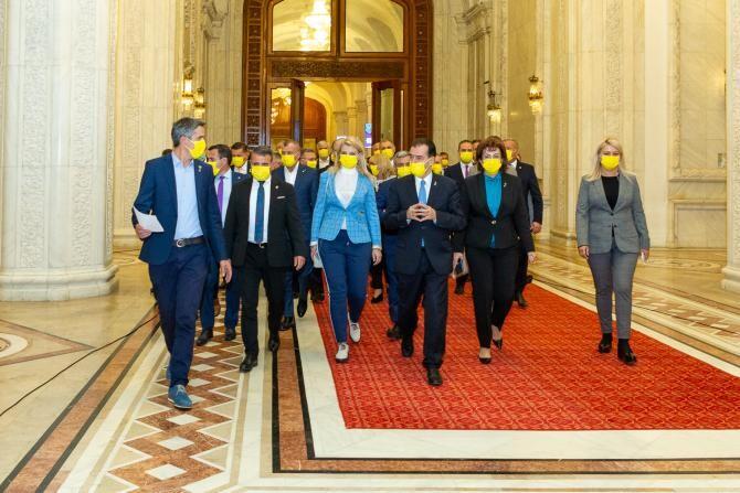 Ludovic Orban și-a depus DEMISIA la sediul partidului PNL / Foto: Facebook Ludovic Orban