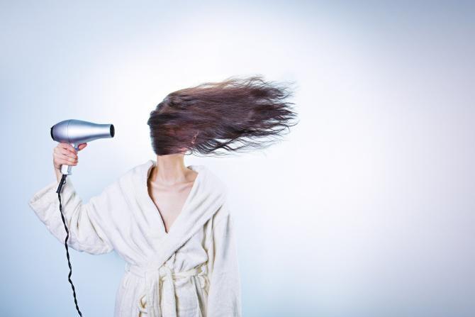 Ce se poate întâmpla dacă își vopsești părul după ce ai avut COVID-19 / Foto: Pixabay