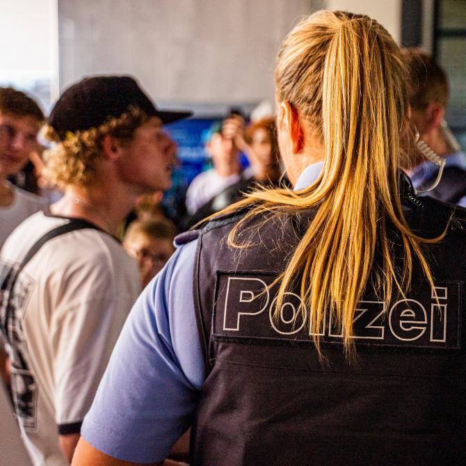 Un exercițiu antitero a devenit o intervenție reală, după ce un fost polițist l-a înjunghiat pe amantul soției sale / Foto: Pixabay