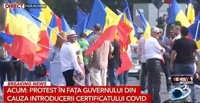 Protest în Piața Victoriei. Manifestanții nu vor aprobarea certificatului verde   /    Sursă foto: Captură Antena 3
