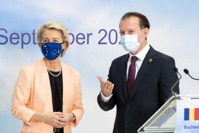 Președinta Comisiei Europene, Ursula von der Leyen și prim-ministrul Florin Cîțu / Foto: gov.ro