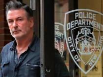 Actorul Alec Baldwin a împușcat mortal o femeie pe platourile de filmare a westernului 'Rust' / Captură Video Sky News Australia