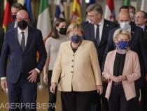 Președintele Consiliului European Charles Michel, cancelarul Germaniei Angela Merkel și președintele Comisiei Europene Ursula von der Leyen, la  fotografia de familie, care ar trebui să fie ultima a Angelei Merkel, în timpul  summit-ului UE la Bruxelles.