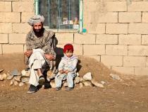 Pixabay, foto ilustrativ / (VIDEO) Un bebeluș a fost VÂNDUT în Afganistan pentru 500 de dolari. Familia suferea de foame