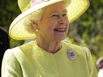 Regina Elisabeta a II-a / Imagine de WikiImages de la Pixabay