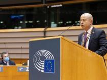 """Facebook - Tudor Ciuhodaru / Tudor Ciuhodaru face un apel către Europa: """"România se sufocă"""""""