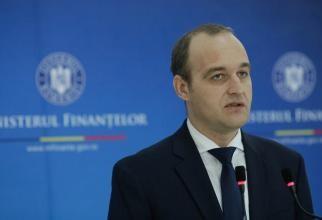 Ministrul Vîlceanu: Se închid și școlile private. Hotărârea cu noile restricții va fi corectată luni