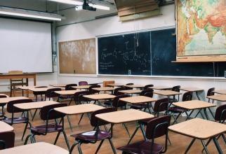 Profesoara care NU intră în vacanță, mesaj pentru autorități: Nu plătesc copiii iresponsabilitatea