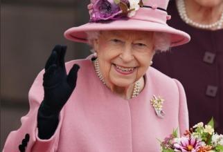 Regina Elisabeta, internată din cauza televizorului. Medicii, DIAGNOSTIC neașteptat pentru Suverană