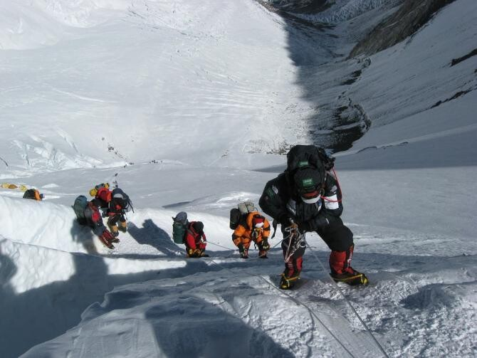 "Doi alpiniști din Brad, în expediție pe Himalaya. ""Cel mai frumos view spre Everest"" / Foto: Pixabay"
