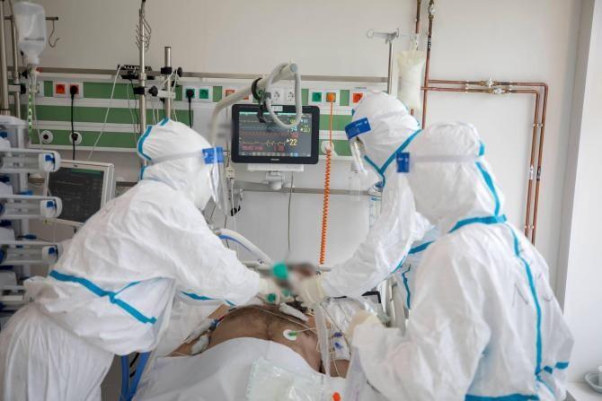 Panică la ATI COVID. Pacienții, ventilați manual, după ce Spitalul Județean Craiova a rămas fără curent / Foto cu caracter ilustrativ: Facebook RO Vaccinare