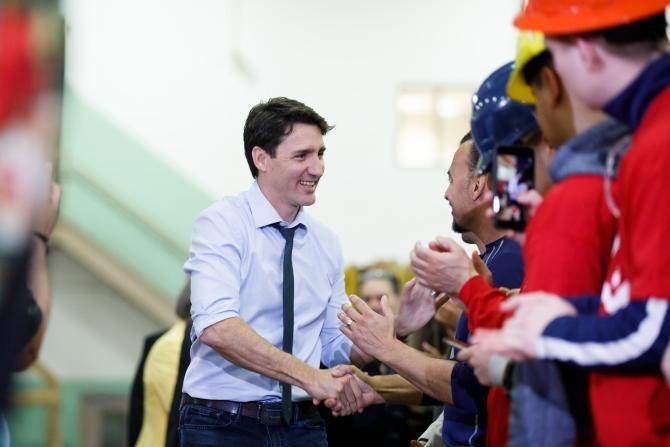 Canada: Angajații federali care nu acceptă vaccinarea sunt trimiși în concediu fără plată   /   Sursă foto: Facebook Justin Trudeau