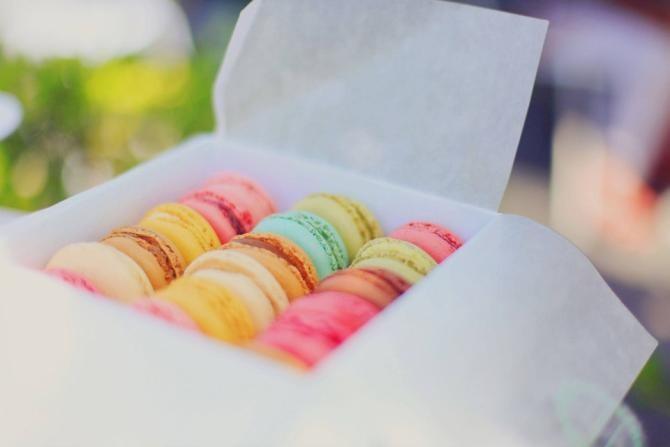 Un colorant va fi INTERZIS în UE. Era folosit la guma de mestecat, produse de patiserie, supe și bulion / Foto: Pixabay