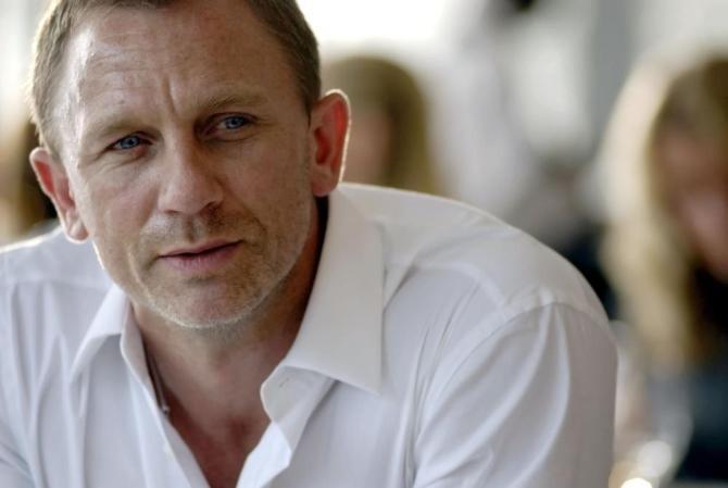 Facebook - Daniel Craig