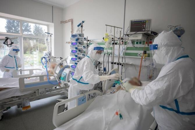 Dr. Săndesc, către anti-vacciniști: Nu avem nici cea mai mică satisfacție când, înainte de a-și da duhul, regretă amarnic, implorând / Foto: Facebook RO Vaccinare