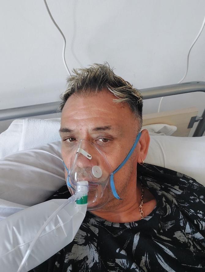 Lider al protestelor anti-vaccin, INFECTAT cu COVID-19. A ajuns în spital: Vaccinați-vă, dragii mei / Foto: Facebook Erno Kovacs
