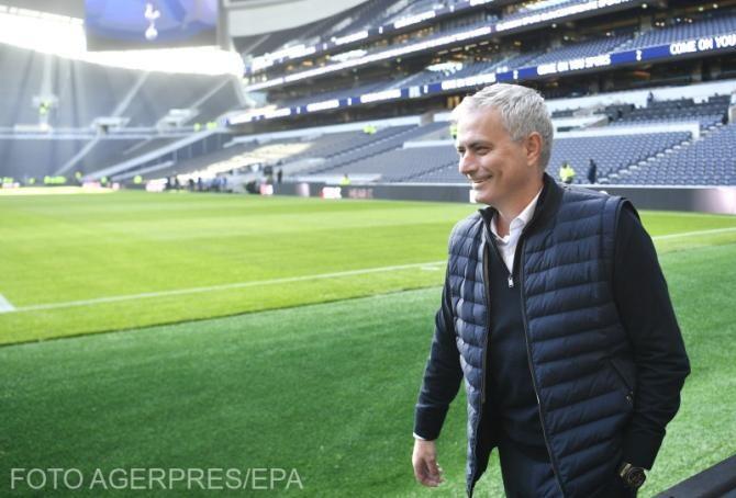 Mourinho l-a convins cu prognoza meteo pe Tammy Abraham ca să lase Chelsea pentru AS Roma: Vrei să te bucuri și de niște soare sau vrei să stai numai în ploaie?