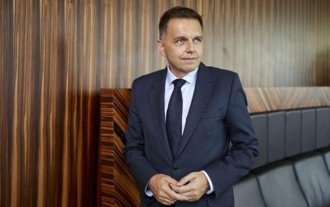 Peter Kazimir, care a fost vicepremier şi ministru de finanţe, a fost inculpat pentru de corupţie