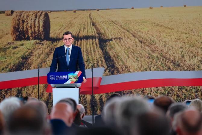 Premierul Poloniei respinge acuzațiile opoziției că ar vrea Polexit: Fake news! UE nu e un basm, ci un loc al beneficiilor reciproce   /   Sursă foto: Facebook Mateusz Morawiecki