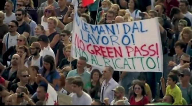 Proteste masive în Italia,  faţă de obligativitatea certificatului sanitar la TOATE locurile de muncă / Foto: Captură video Youtube AP