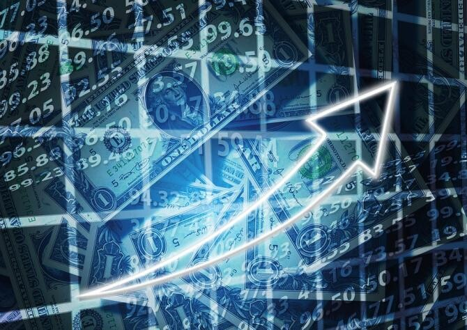România, dată drept exemplu în Ungaria. Guvernatorul Băncii Naționale recomandă guvernului modelul românesc de creștere economică / Foto: Pixabay