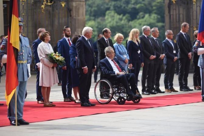 Senatorii cehi vor să-l deposedeze de puteri pe președintele Miloš Zeman. Acesta are mari probleme de sănătate  /  Sursă foto: Facebook Miloš Zeman - prezident České republiky