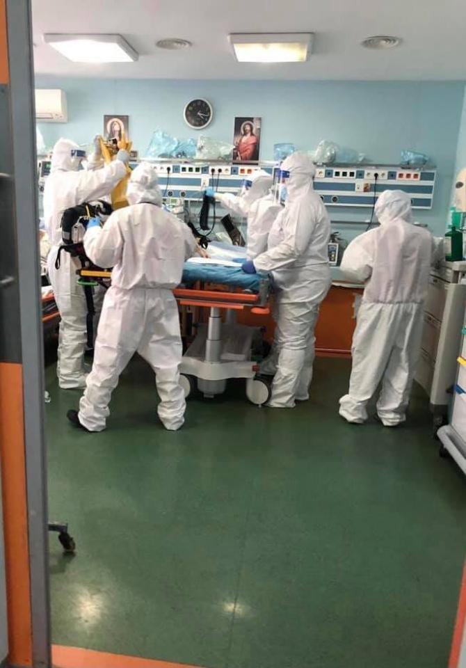 Medic din Galați, mesaj dur pentru anti-vacciniști: Adoptăm modelul spartan, cine are de crăpat, asta e / Foto: Facebook RO Vaccinare