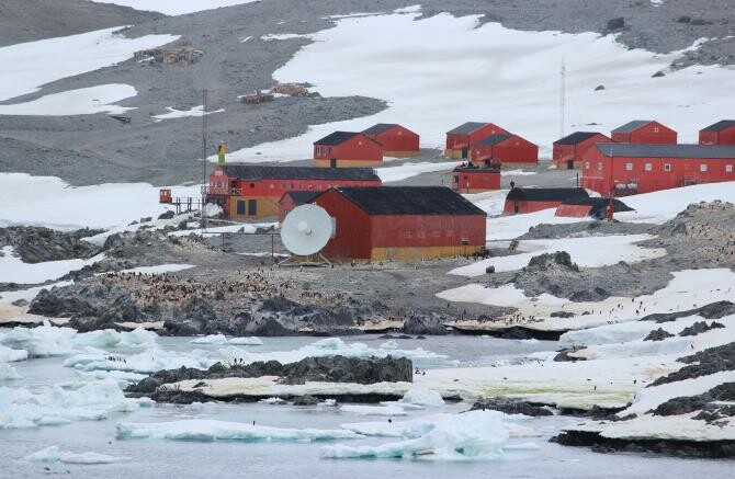 Vaccinul COVID-19 a ajuns și la Polul Sud, pentru cei 23 de cercetători care vor sta iarna acolo    /   Foto cu caracter ilustrativ: Pixabay